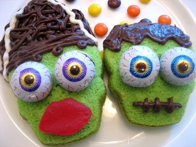 Frankenstein Cupcakes. Source.