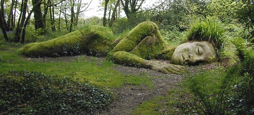 Mud Maid by Susan & Pete Hill. Lost Gardens of Heligan.