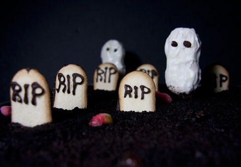 Oreo Pudding Graveyard.