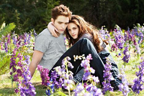 Twilight: Robert Pattinson and Kristen Stewart.